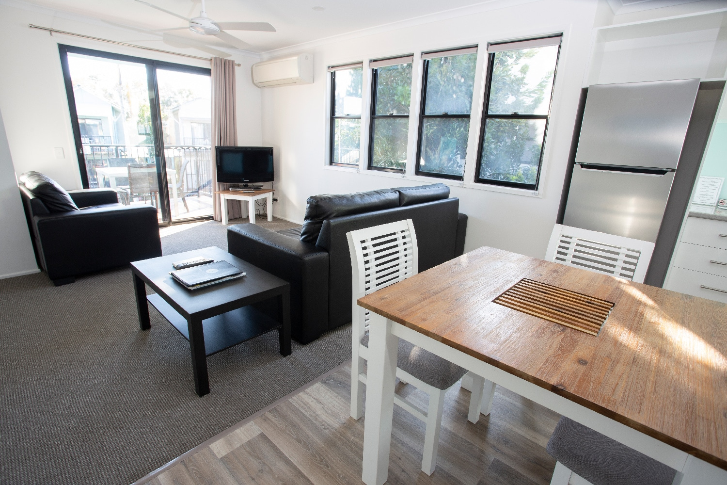noosa-lakes-resort-deluxe-1-bedroom00006